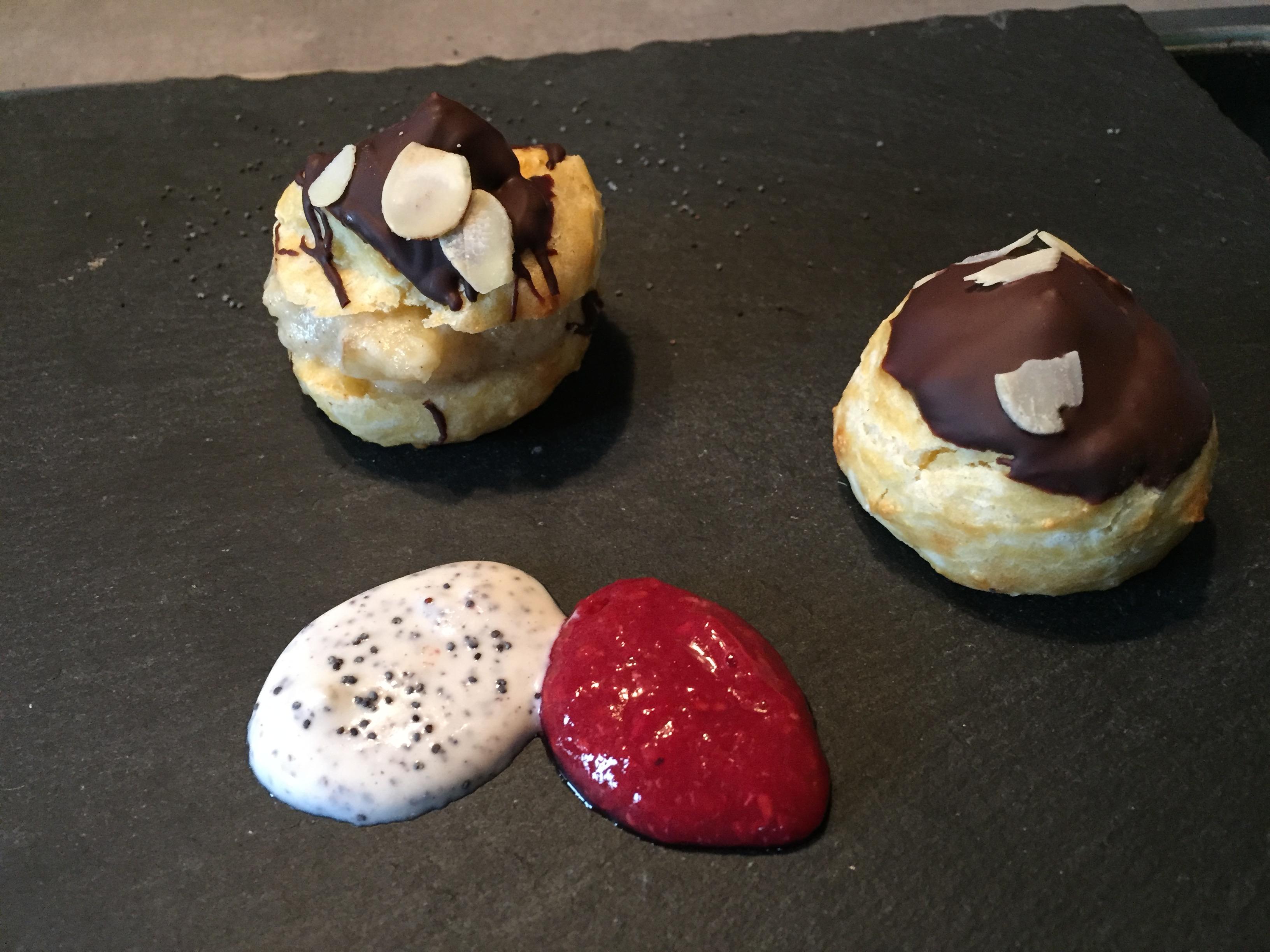 Brandteigkrapferl mit Schokolade & Mandeln (5) auf waskochen.at