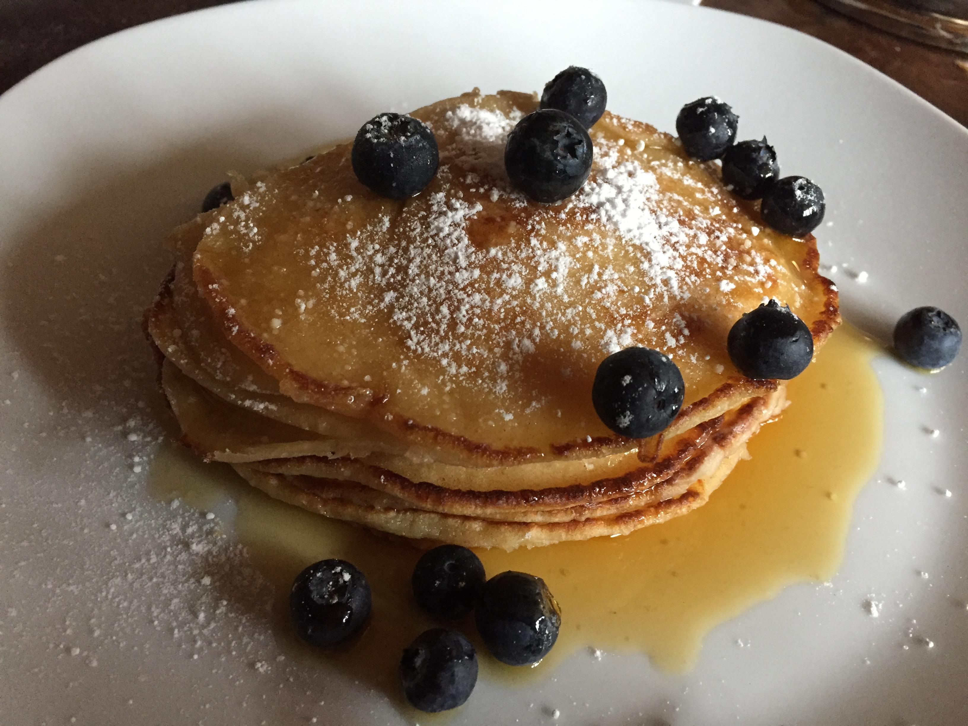 Pancakes mit Ahornsirup & Heidelbeeren (2) auf waskochen.at