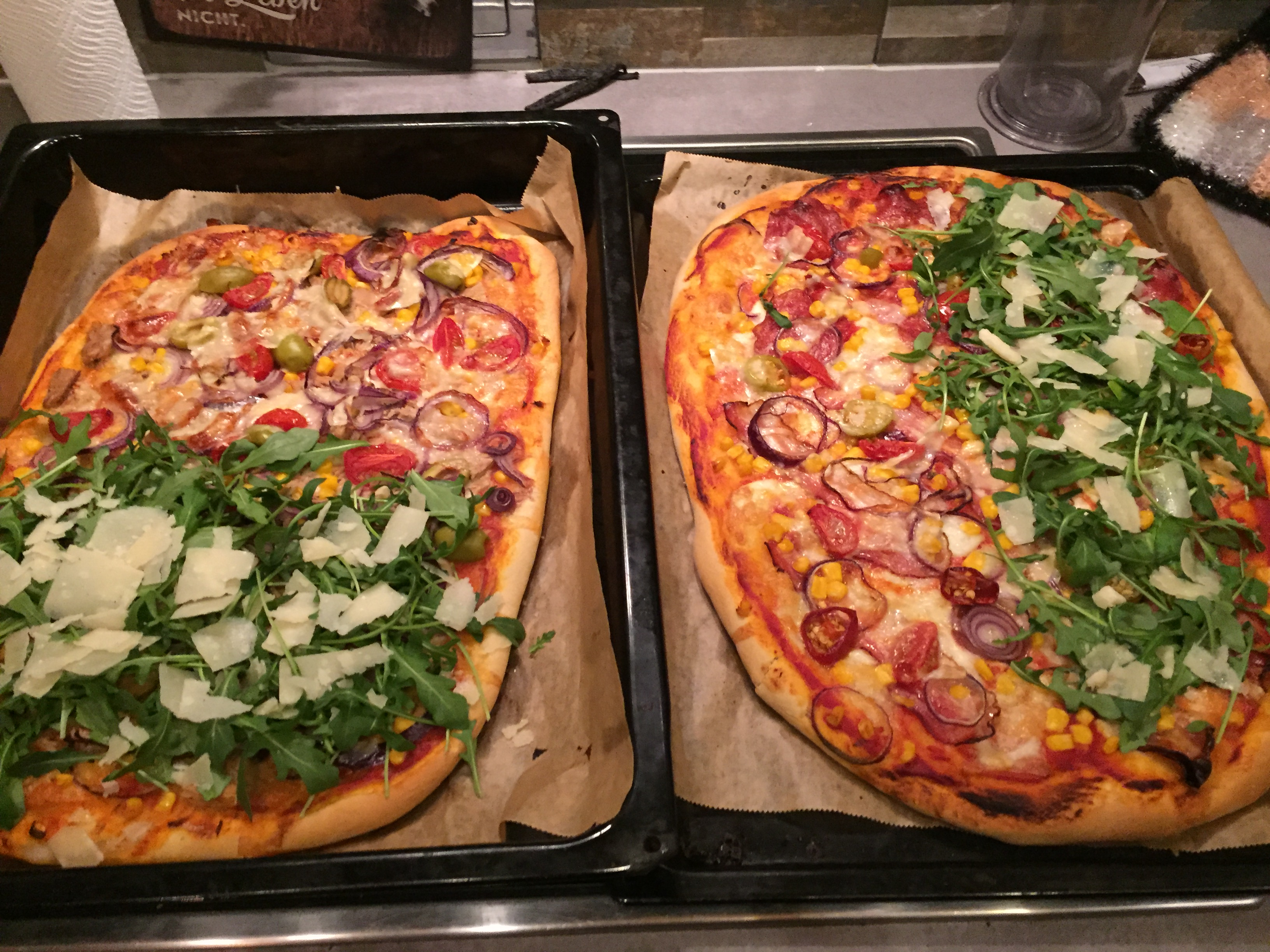 Pizza mit Rukola auf waskochen.at